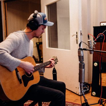 Recording session by Raphael Tschernuth